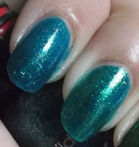 Wet n' Wild Teal of Fortune y Orly Halley's Comet