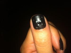 Combinación de negros: matte y gloss. No se puede apreciar bien el efecto. Revlon matte top coat: no recomendable