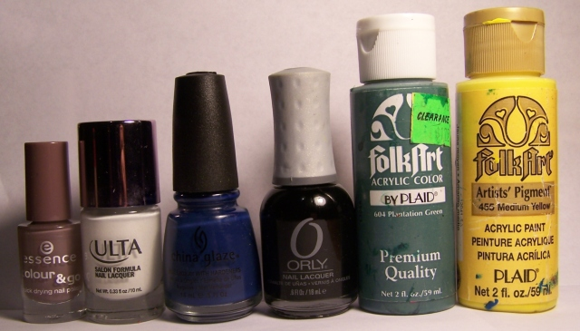 De izquierda a derecha: Essence en Walk of fame, Ulta en Snow White, China Glaze en First Mate, Orly en Liquid Vinyl, acrílica Folk Art en Plantation Green y acrílica Folk Art en Medium Yellow.