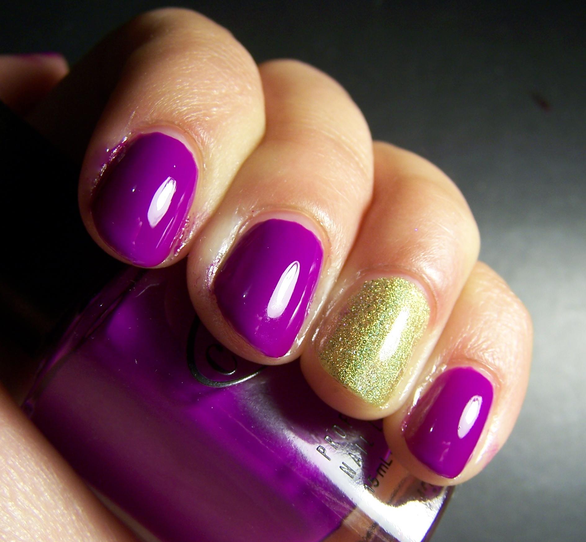 Random manicure nen y holo Mucho esmalte y pocas nueces