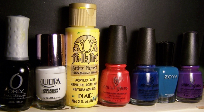 De izquierda a derecha: Liquid Vinyl, Snow White, Medium Yellow (acrílico), Rojo sin nombre, Anchors away, Breezi y Grape Pop.