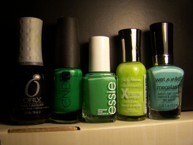 De izquierda a derecha: Liquid Vinyl, Green Scene, Mojito Madness, Green with Envy y I Need a Refresh-Mint