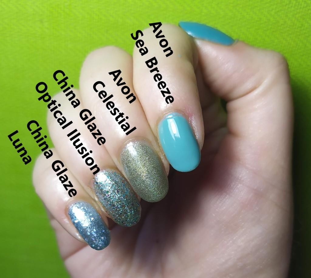 mano con uñas pintadas de azul con esmaltes de avon y china glaze